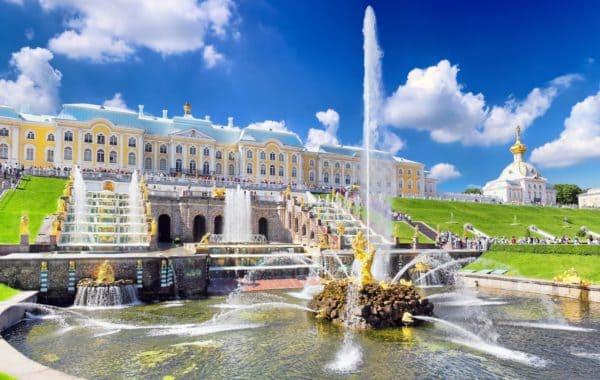 Петергоф с Большим дворцом