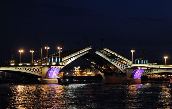 Экскурсия по ночному Санкт-Петербургу (с теплоходом)